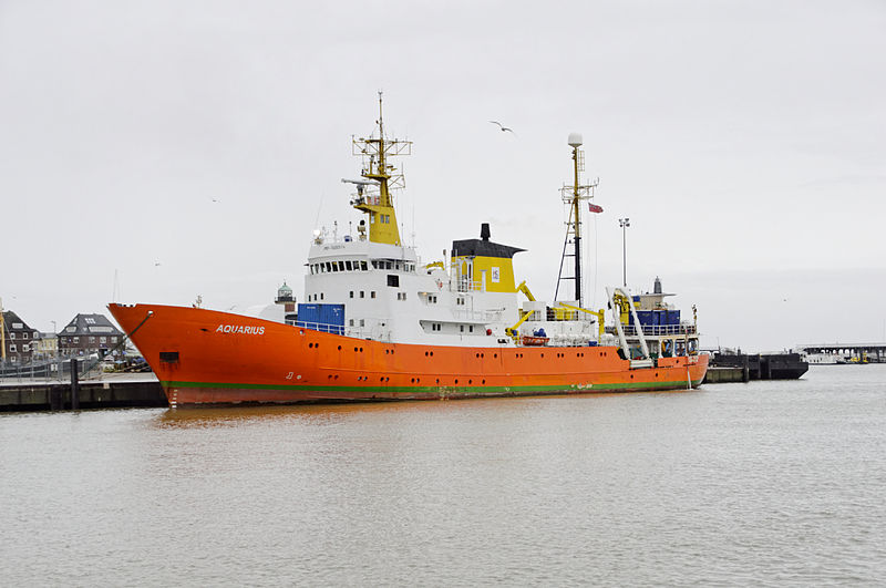 Photographie de l'Aquarius dans le port de CuxHaven, en Allemagne Ra Boe / Wikipedia https://commons.wikimedia.org/wiki/File:Aquarius_(alt_Meerkatze)_(Ship)_04_by-RaBoe_2012.jpg